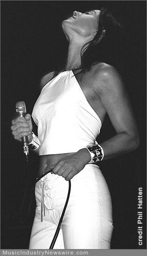 singer-songwriter Lenna