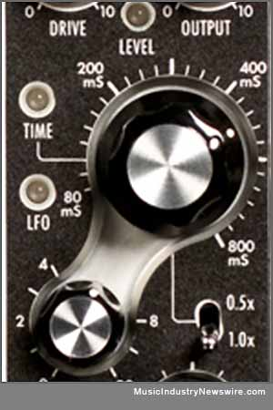 Moog 500 format analog Delay